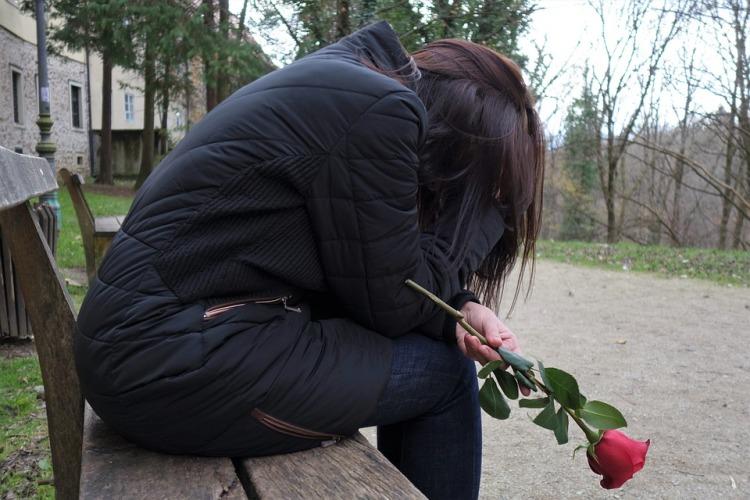 sad-girl-3007323_960_720